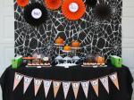 Original_Korinne-Seel-Halloween-pumpkin-carving-party-table_s4x3_lg